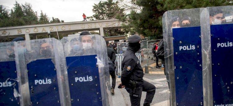'Erdoğan kontrol savaşı başlattı' - New York Times