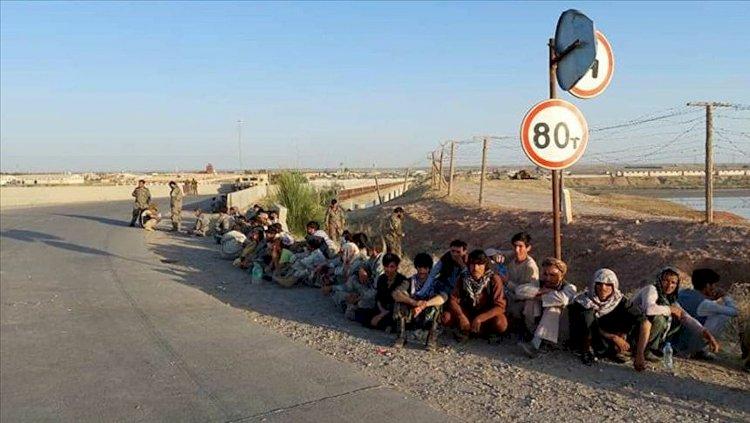 İran Afgan göçmenlerin ülkeye girişini engelleyecek