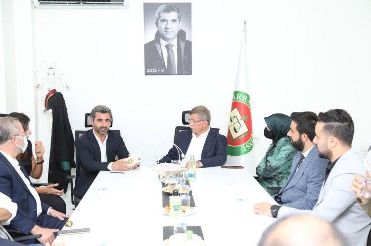 Diyarbakır Barosu Başkanı Nahit Eren: Davutoğlu'nun pozisyonunu unutmadık